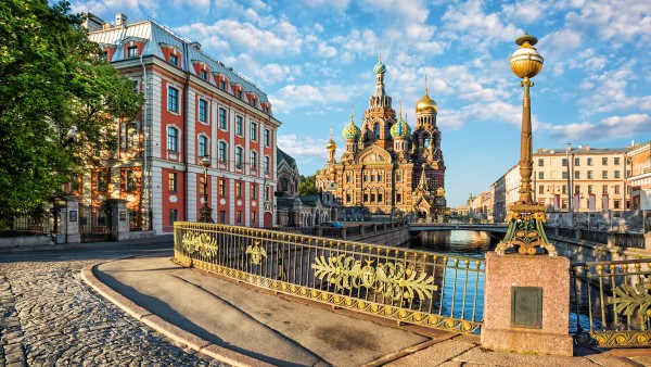 Learn about the Waterways of the Tsars with Karine Hagen and Johan Schuitemaker