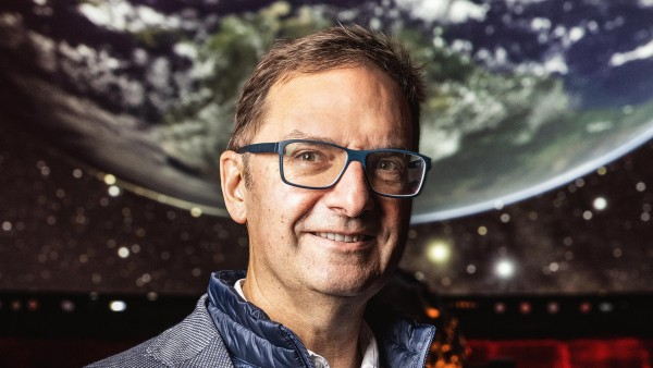 At home among the stars with astrophysicist Thomas Kraupe