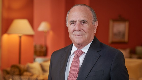 Anne Diamond interviews hotelier Alfred Pisani