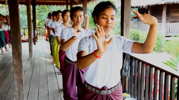 The Sacred Dancers of Angkor with Li-Da Kruger and Ravynn Karet-Coxen