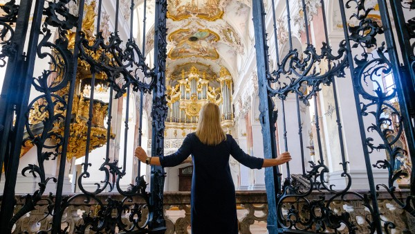 Explore the Amorbach Abbey with Guide Leah Meixner