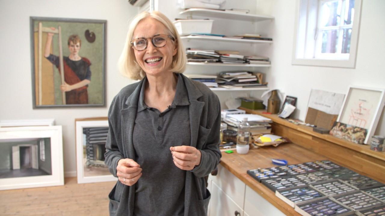 Anne Diamond interviews artist Ida Lorentzen